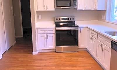 Kitchen, 4324 Railroad Ave, 1