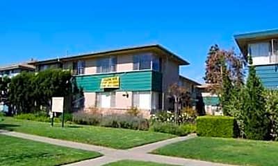 Building, 3200 S Barrington Ave, 0