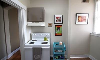 Bathroom, 144 W Henry St, 1
