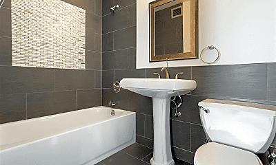 Bathroom, 270 County Rd 624, 1