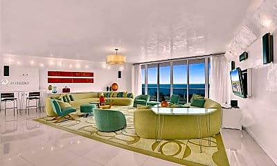 Living Room, 20155 NE 38th Ct 2604, 1