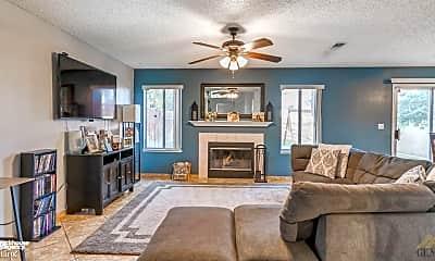 Living Room, 1720 Ocean View Dr, 1