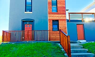 Building, 812 E High St, 1