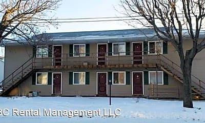 Building, 903 Genrich St, 2