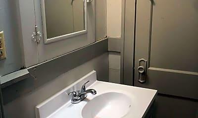 Bathroom, 604 E Emerson St, 2