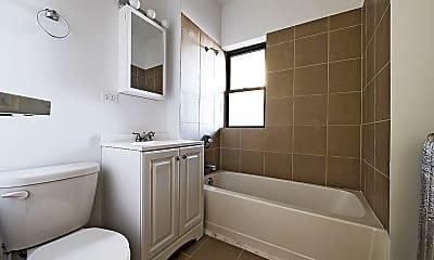 Bathroom, 7754 S Loomis Blvd, 2