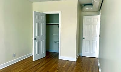 Bedroom, 5622 N Western Ave, 2