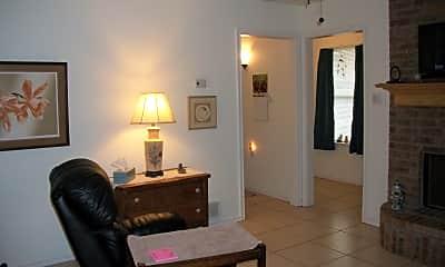 living area, 715 N Pecan St, 0