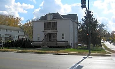 711 E Burlington St, 2