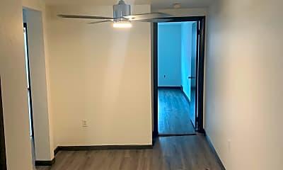 Living Room, 910 Penn St, 2