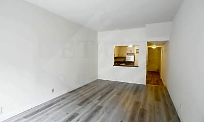 Living Room, 211 E 73rd St, 1