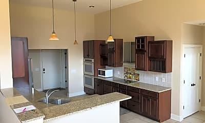 Kitchen, 1686 Sandy Lake Rd, 1