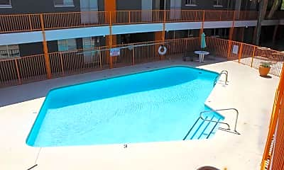 Pool, Vista de Catalina, 1