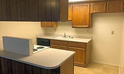 Kitchen, 5965 Moss Creek Cir, 1