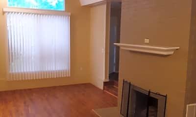 Living Room, 3104 Paramount Blvd, 1