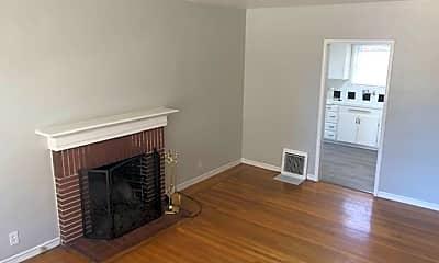 Living Room, 536 Fairbanks Ave, 0