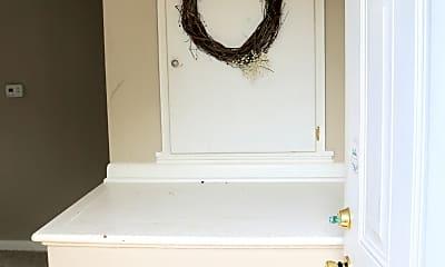 Bathroom, 378 1/2 E Moler St, 1