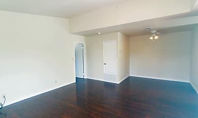 Living Room, 505 Canyon Oaks Dr, 1