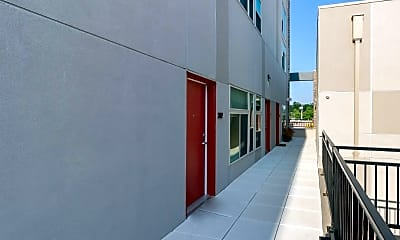 Building, 222 S Main St, 2