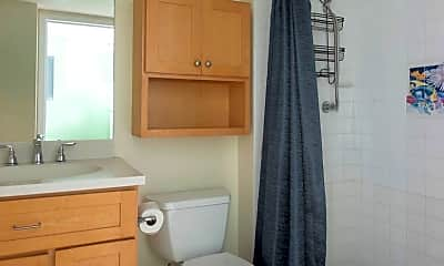 Bathroom, 3312 Northside Dr, 2