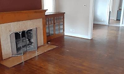 Living Room, 3555 Evergreen Ave, 2