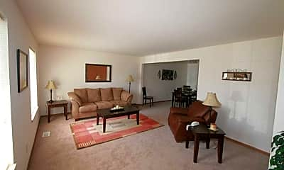 Living Room, Bayberry Farms Apartments, 2