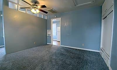 Living Room, 1013 Elm Ave B, 1
