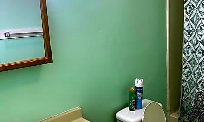 Bathroom, 125 E Franklin St, 0