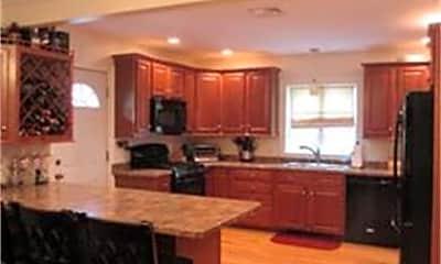 Kitchen, 275 Colburn St, 1