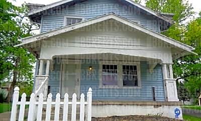 Building, 151 E Bruce Ave, 0