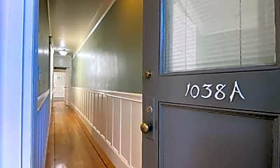 Bathroom, 1038a Jackson St, 2