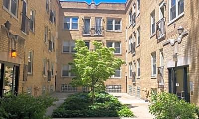 Building, 4716 N Bernard St 1W, 1