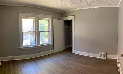 Living Room, 855 Lakeview Rd, 2