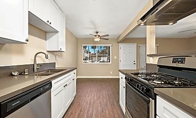 Kitchen, 709 Palm Ave, 1