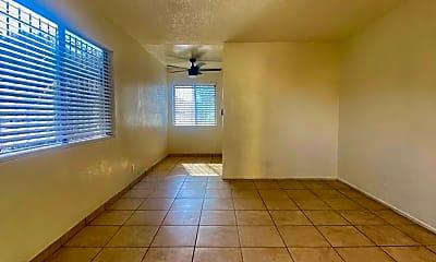 Living Room, 2430 Linden Ave, 1