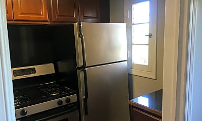 Kitchen, 301 W Wisconsin St #3, 2