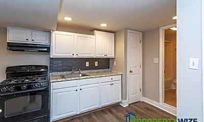 Kitchen, 2017 St Paul St, 1