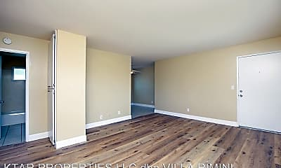 Living Room, 725 Washington Heights Rd, 1