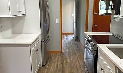 Kitchen, 16 Loretta Ln, 1