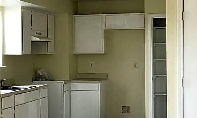 Kitchen, 7575 Windsor Oaks, 1