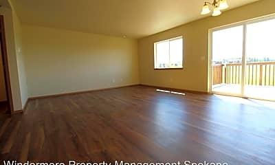 Living Room, 931 N Stanley St, 1