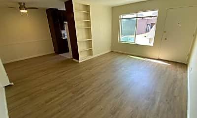 Living Room, 4675 Louisiana St, 1