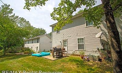 Building, 5567-5569 Pinehurst Ln, 1