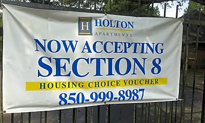 Holton Apartments, 1