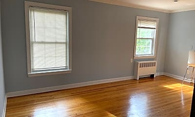 Living Room, 63 Forest Hill Pkwy 2L, 1