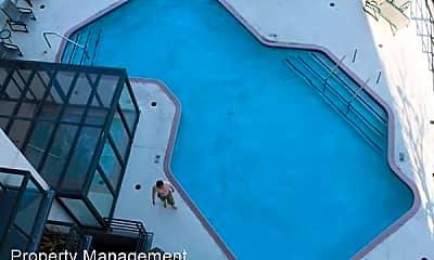 Pool, 1 Daniel Burnham Ct, 2