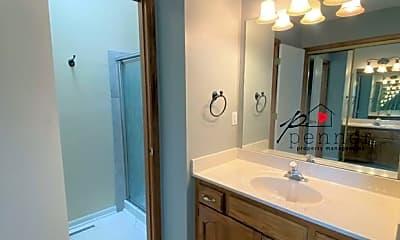 Bathroom, 3316 S Sioux Ct, 2