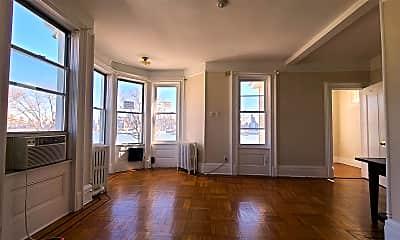 Living Room, 773 Boulevard E 2, 1