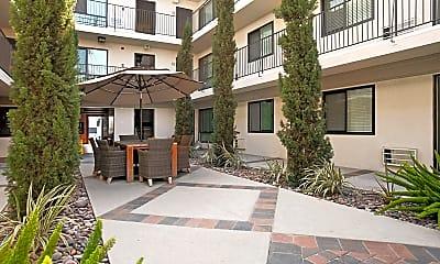 Solstice Apartment Homes, 1