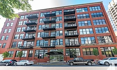 Building, 525 W Superior St, 0